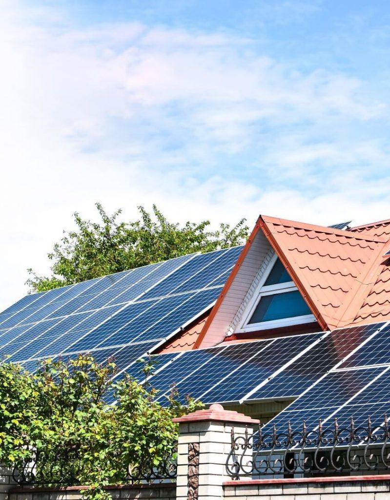 SIP ház és napelem, ADAM-HOUSE 1